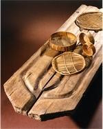 Table d'égouttage, clayettes et moules à Brie