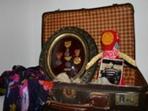 Les accessoires du conte La Valise d'Annie