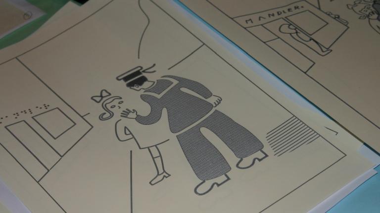 Dispositif d'aide à la visite à destination des personnes mal ou non voyantes. Page d'un livre illustré, transcrite en braille